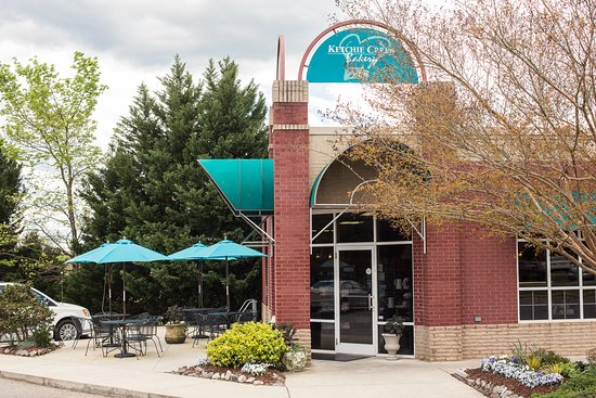The original Ketchie Creek location in Mocksville, NC has flourished since 2008. This bakery and cafe is now making a home in Clemmons.